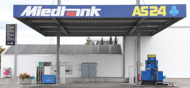 https://www.miedtank.com/wp-content/uploads/2019/08/autopark-tankstelle-lkw-bus-pritsche-miedtank-stuttgart-650x300.jpg